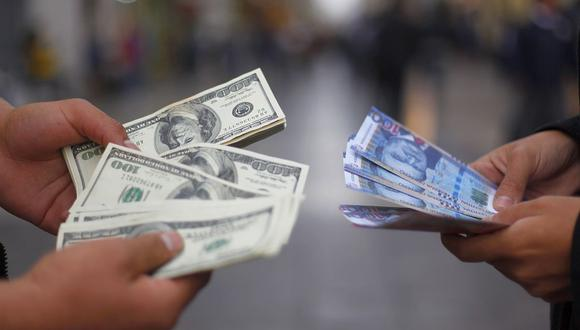 Dólar se disparó luego del anuncio del nuevo gabinete ministerial. (Foto: Vidal Jordan / GEC)
