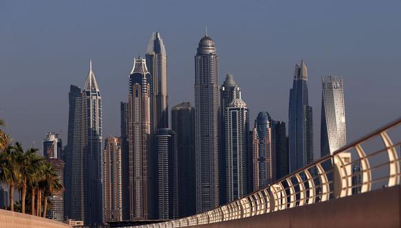 El centro de negocios y turismo de Medio Oriente proporcionó un atractivo adicional después de que una recesión inmobiliaria que comenzó hace seis años redujera en más de un tercio los valores.