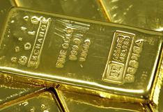 Oro sube luego de que Powell modera retórica sobre alza de tasas