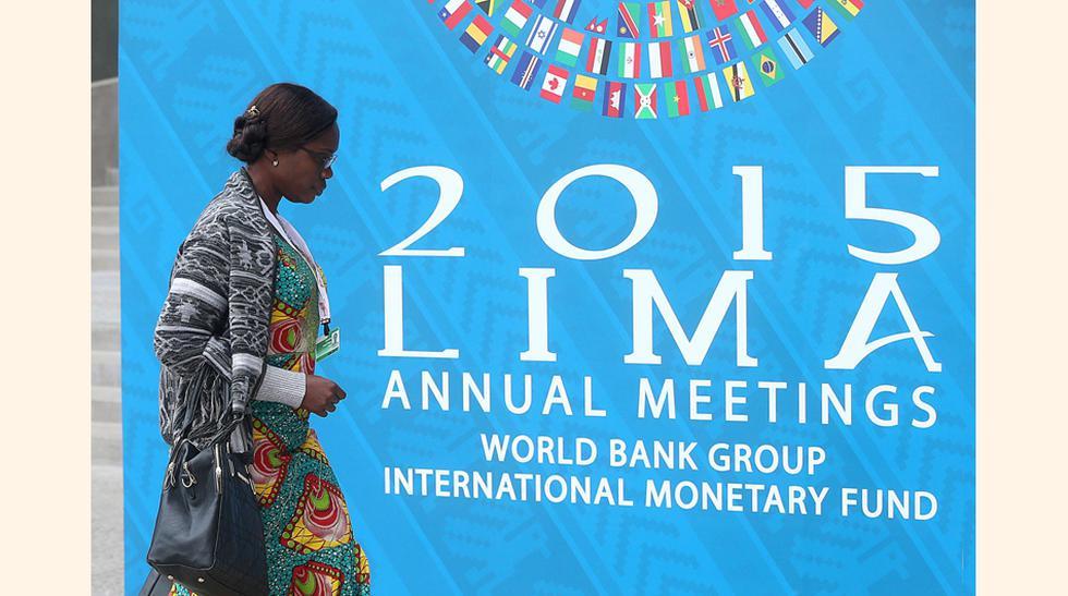 Delega procedente de África ingresa al auditorio. (Foto: Andina)