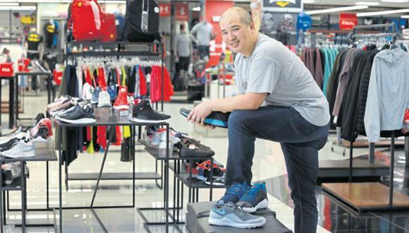 Pedro Mont considera que las tiendas físicas y el e-commerce seguirán conviviendo por lo que continuarán creciendo en ambos canales de venta.