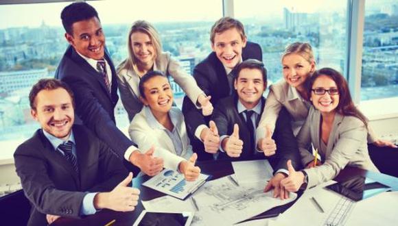 Mantener una actitud positiva en el trabajo, a veces puede ser muy difícil. (Foto: Freepik)