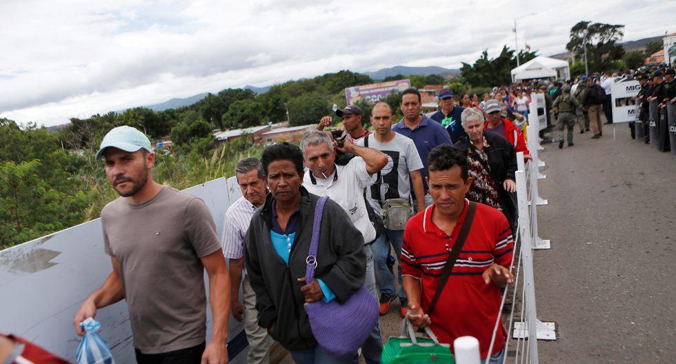 Como muchos de sus compatriotas que huyen del hambre, la falta de trabajo y la escasez de alimentos, Róber Solano pretende continuar su cruzada y desplazarse hasta Boa Vista en Brasil. (Foto: Reuters)