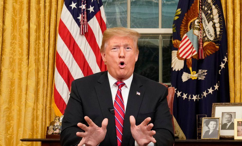 Trump insiste en la construcción de un muro fronterizo con México. (Foto: AFP)