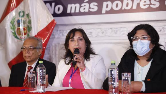 """""""No podría adelantar opinión, pero como todo partido político tenemos el derecho de plantear nuestras nulidades"""", señaló Boluarte. (Foto: César Bueno @photo.gec)"""