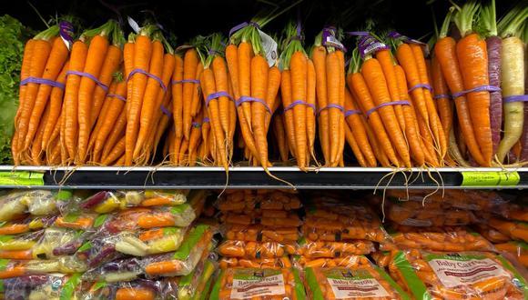 El gobierno de Donald Trump dijo el mes pasado que podría extender a los productores de frutas y verduras un decreto para mantener los frigoríficos operando, señal de que teme que los productos frescos puedan ser el próximo sector afectado. (Reuters)