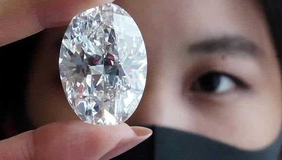 Sotheby's explicó que la de este lunes fue la subasta de un diamante de este calibre que más postores ha atraído en la historia. (Reuters)