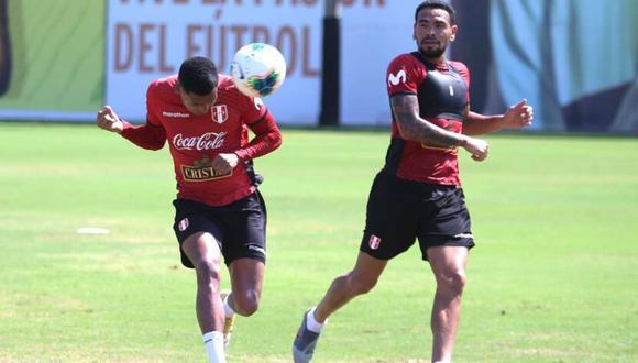 Alexander Callens y Marcos López en el entrenamiento de la selección peruana. (Foto: FPF)