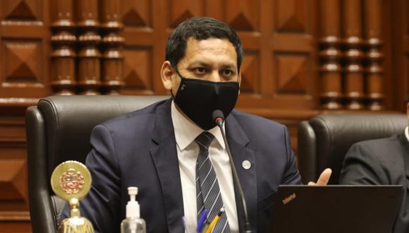 Luis Valdez renunció a integrar la Mesa Directiva tras las protestas que dejaron dos muertos el último sábado. (Foto: Congreso)