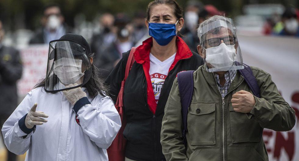 Bogotá, Cali, Barranquilla, Cartagena y Leticia, donde habitan aproximadamente 13 millones de los 50 millones de colombianos, seguirán en aislamiento estricto debido al aumento de casos de COVID-19. (Foto: AFP/Juan BARRETO)