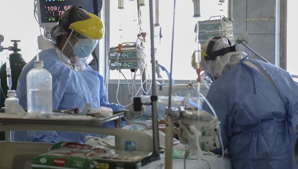 De acuerdo al Colegio Médico del Perú, alrededor de 12 mil colegas han contraído el covid-19. (Foto: Cesar Von BANCELS / AFP)
