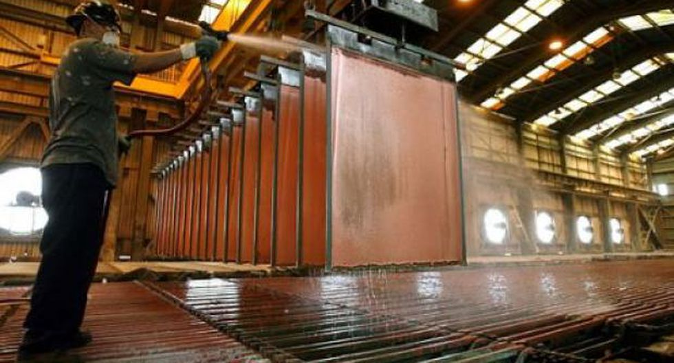 Los inventarios de cobre en los almacenes registrados ante la LME se redujeron a 135,800 toneladas. (Foto: Reuters)
