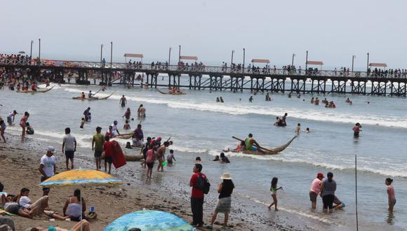 El balneario de Huanchaco solía ser muy visitado por turistas antes de la pandemia. (Foto: GEC)