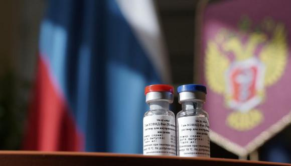 La vacuna rusa Sputnik V ya sido utilizada en varios países con el propósito de controlar la pandemia del COVID-19. (EPA).