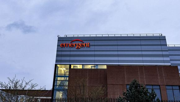 Se esperaba que el suministro fabricado por Emergent fuera autorizado para su uso el mes pasado. (Bloomberg)