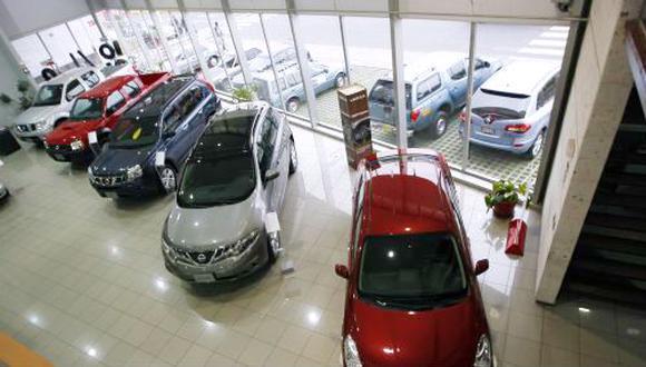 Perú dejó de realizar 45,000 pedidos de autos ante norma ...