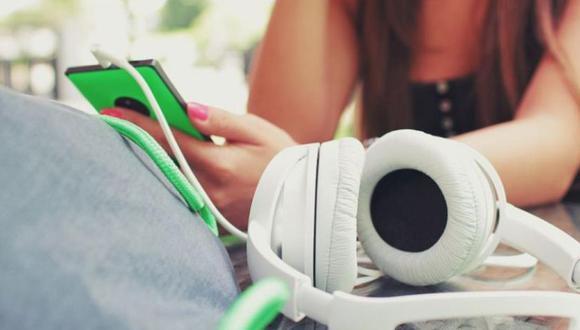Hoy en día los podcasts, se han convertido en una importante herramienta de ayuda para ganar conocimientos. (Foto: Pixabay / StockSnap)