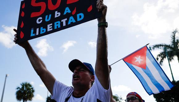 Los defensores del régimen comunista de Cuba siguen responsabilizando de la crisis económica de la isla y la pobreza generalizada de su población al embargo de Estados Unidos. (Photo by Eva Marie UZCATEGUI / AFP).