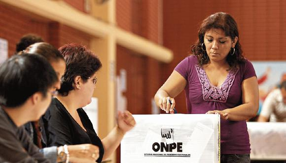 De acuerdo al padrón electoral, hay un 48% de mujeres que participan en los partidos políticos