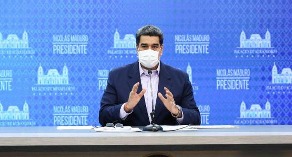 Nicolás Maduro es visto hablando con una mascarilla contra el coronavirus en Venezuela. (Foto: EFE).