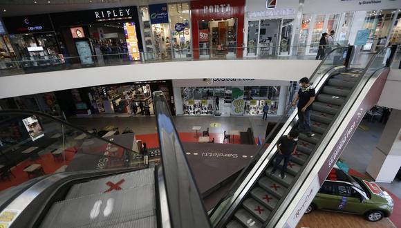 Algunos centros comerciales impiden el ingreso de menores de edad a sus instalaciones. (Foto: Francisco Neyra / GEC)