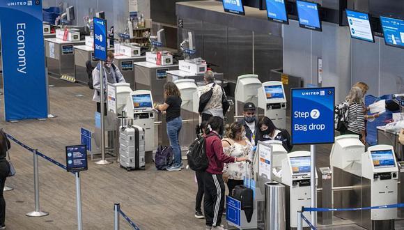 En abril, las tarifas aéreas aumentaron un récord de 10.2% con respecto al mes anterior, lo que refleja un aumento de la demanda a medida que los consumidores encerrados buscan regresar a volar.