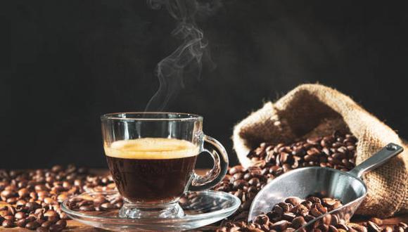 Los hábitos de los consumidores en el período del 26 de agosto al 3 de setiembre fueron similares a los del sondeo de enero. Seis de cada 10 personas beben café todos los días, con un promedio de 2.9 tasas al día. (Foto: iStock)