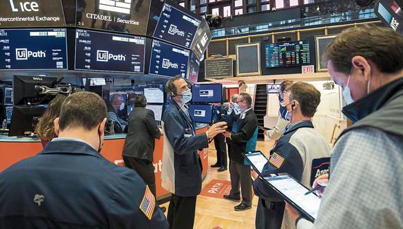 El sector tecnológico en su conjunto registraba las mayores pérdidas en el parqué neoyorquino. (Foto: Courtney Crow/New York Stock Exchange via AP)