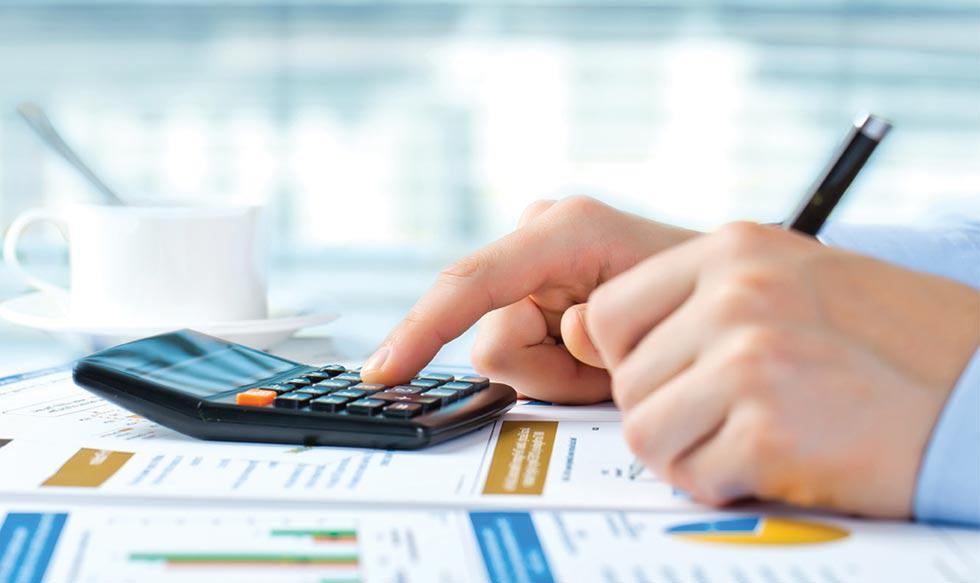 1) El profesional en contabilidad tiene que tener una habilidad para los números, así como para sacar cuentas con facilidad.