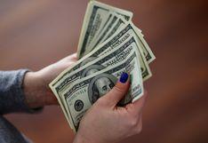 Tipo de cambio abre al alza en mercado preocupado por comercio global