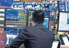 Inversores de fondos mutuos adoptan tres estrategias frente a la incertidumbre sobre Perú