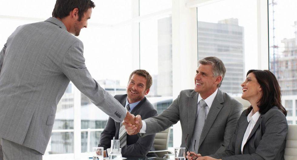 Foto 3 | GARANTÍA DE LONGEVIDAD. Para los trabajadores es importante que sus jefes aprecien la cantidad de años que llevan en sus puestos desarrollando un trabajo eficiente. La antigüedad de servicio por la empresa debe ser valorada y retribuida. Las recompensas son con mayor frecuencia en aquellos mercados laborales más grandes, que poseen una gran demanda de su producto o servicio y poca oferta. Otra opción es ofrecer contratos de largo plazo, esto aumentará la confianza del empleado en que seguirá teniendo trabajo en un tiempo. (Foto: iStock)