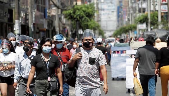 Cumplimiento. Un 36% dice que está cumpliendo las recomendaciones del Gobierno parcialmente.  (Foto: Jorge Cerdán | GEC)