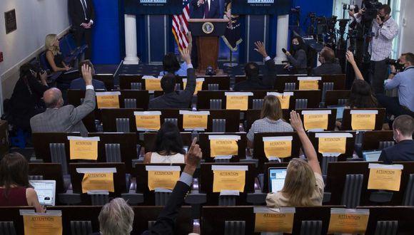 El presidente de los Estados Unidos, Donald Trump, responde preguntas durante una sesión informativa de la Fuerza de Tarea de Coronavirus en la Sala de Información Brady de la Casa Blanca. (Foto: JIM WATSON / AFP).