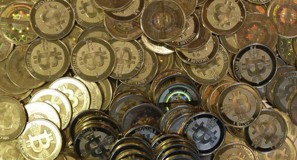 El bitcoin se compra y vende en plataformas específicas de internet y no tiene curso legal.