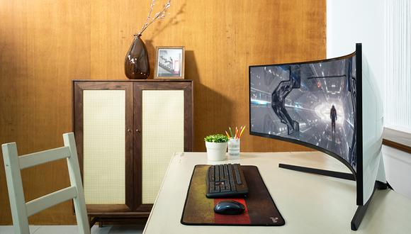 Monitores de mayor tamaño y curvos ganan terreno en el mercado. (Foto: Samsung)