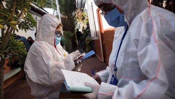 Chile ha adoptado medidas restrictivas y cuarentenas para intentar contener el virus, que suma unos 100,000 contagios y más de mil muertos en el mayor productor mundial de cobre. (Foto: EFE/ Alberto Valdés).