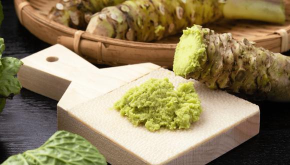 Verde y picante, esta raíz crece en 12 y 18 meses y sólo se produce en un puñado de regiones japonesas, ya que su cultivo requiere condiciones muy particulares.