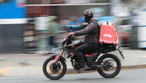 Las empresas de delivery cobran una comisión a los restaurantes por repartir los alimentos. (Foto: Lino Chipana / GEC)
