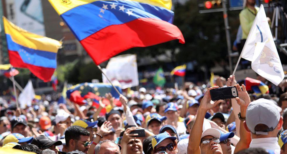 Ese incremento combina un alza del sueldo de 150,000 a 250,000 bolívares (US$ 3.7) y del bono que lo complementa. (Foto: Reuters)