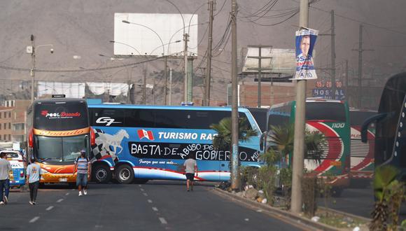 El paro de transportistas duró cinco días y bloqueó varias vías en el país. (Foto: GEC)