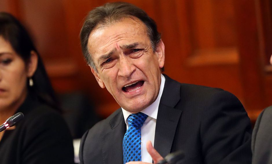 El congresista Héctor Becerril se habría reunido en febrero del 2017, con el consejero Baltazar Morales para pedirle que vote a favor de Julio Gutiérrez como presidente del CNM. (USI)