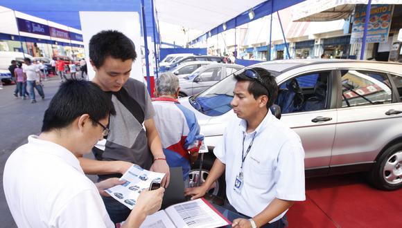 Marcas automotrices apuntan a ejecutivos de otros rubros.