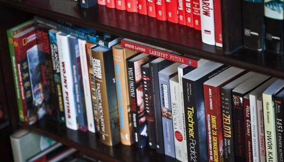 Tener libros en la biblioteca que aún no han sido leídos no es una mala señal. (Foto: Pixabay)