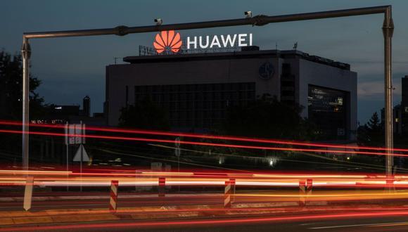 En este contexto, Huawei comunicó un aumento de 9.9% interanual en sus ingresos durante los tres primeros trimestres, hasta 671,300 millones de yuanes (unos US$ 100,500 millones). Se trata de un crecimiento muy inferior comparado con el mismo periodo del 2019 (24.4%). (Foto: Reuters)
