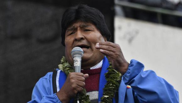 """Morales también anunció que el congreso de cocaleros """"aprobó por unanimidad"""" iniciar un """"juicio penal en vía ordinaria contra Jeanine Áñez y sus cómplices golpistas por atentar contra el derecho a la educación"""". (Foto: AFP)"""