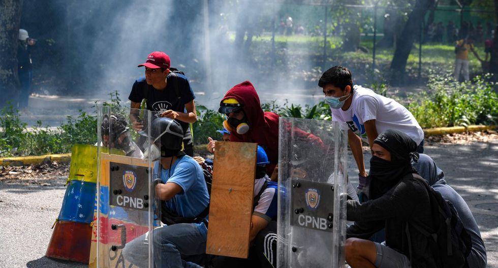 """Bajo el lema """"Toda Venezuela despierta"""", los opositores se reunían en al menos otros cinco puntos de la ciudad. (Foto: AFP)"""