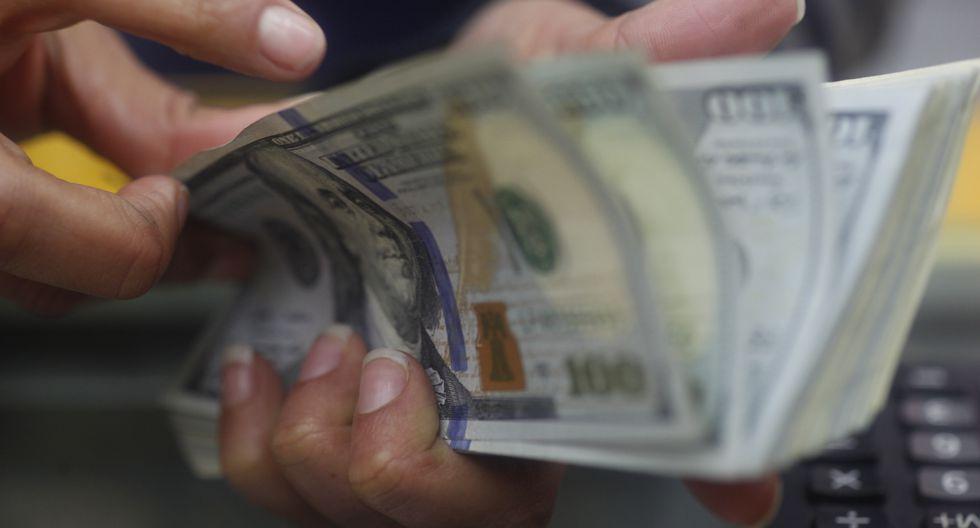 En el mercado paralelo o casas de cambio de Lima, el billete verde se oferta a S/ 3.390. (Foto: GEC)