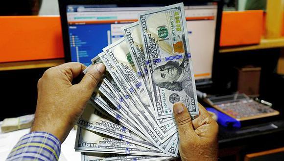 El tipo de cambio cotizaba a S/3.330 la compra y a S/3.370 la venta en el mercado paralelo este martes. (Foto: Reuters)