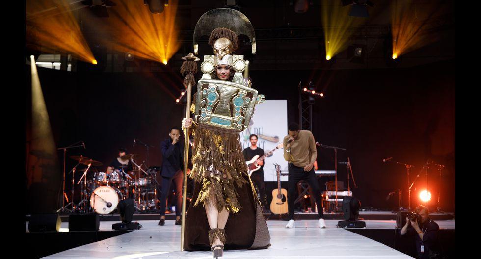 FOTO 1   Salón del Chocolate de Paris: este es el vestido ¨Cacaos del Perú¨ que abrió el desfile por los 25 años del evento.